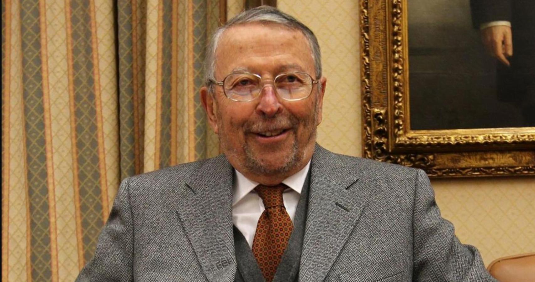 Muere el ex ministro de Defensa Alberto Oliart