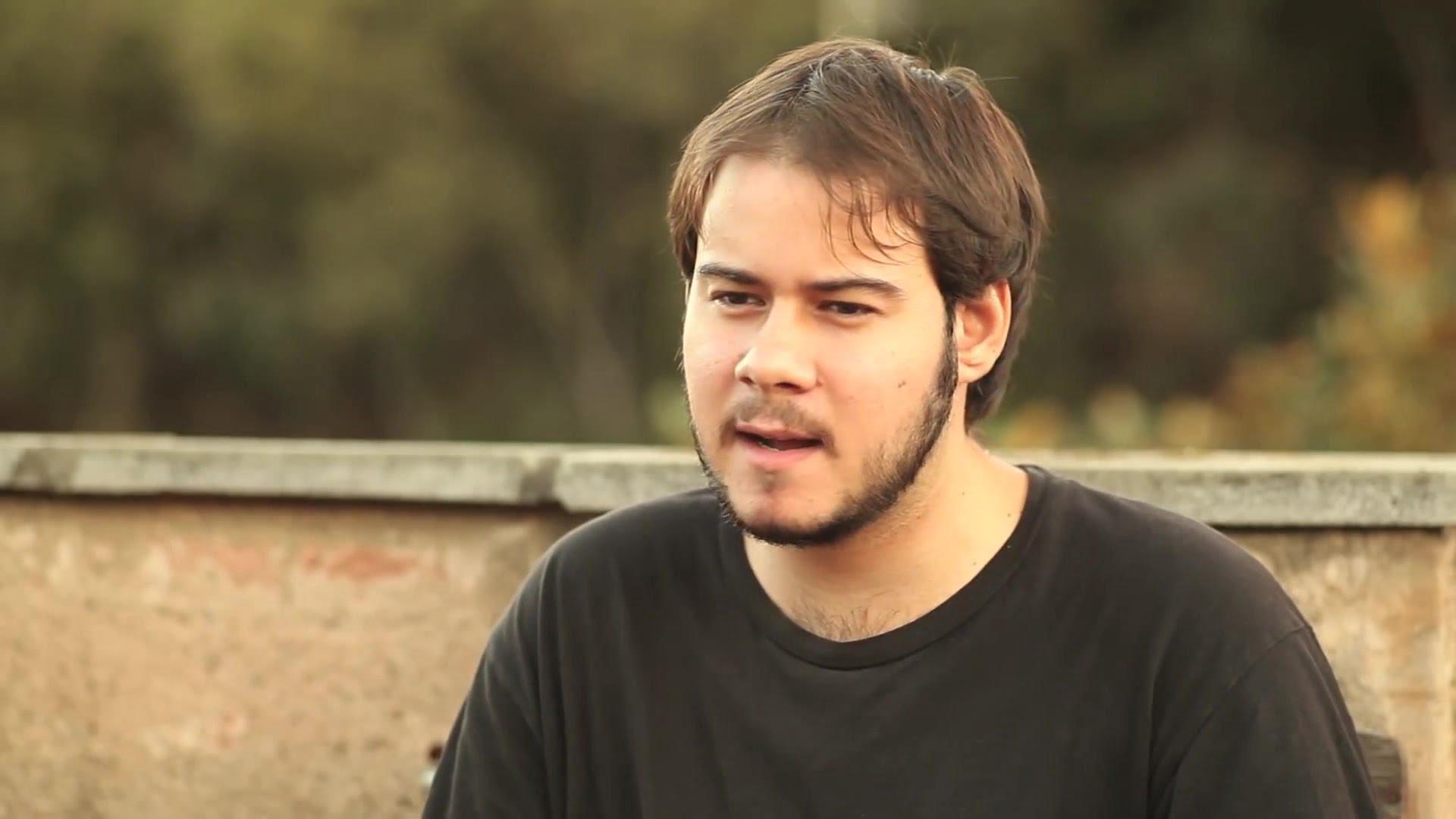 ¿Quién es Pablo Hasél?: El poeta y rapero que Serrat, Barden y Almodovar defienden