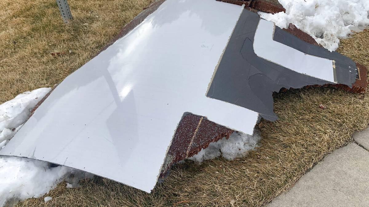 Llovieron piezas de un avión sobre un suburbio de Denver