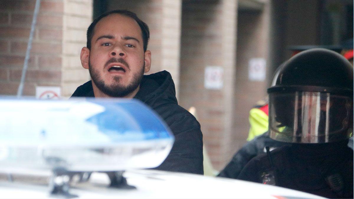 Hasel pide una celda privada y se niega a colaborar en las labores de la prisión