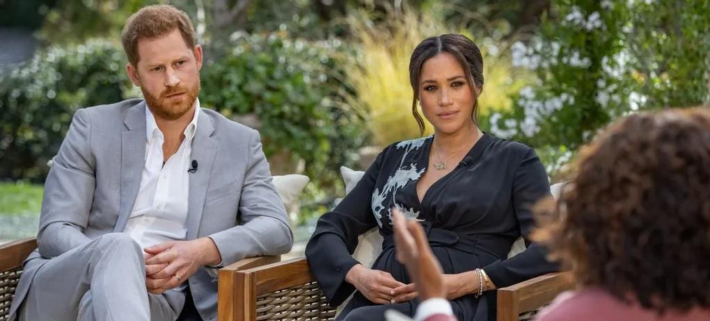 Meghan Markle y el príncipe Harry en su entrevista con Oprah Winfrey