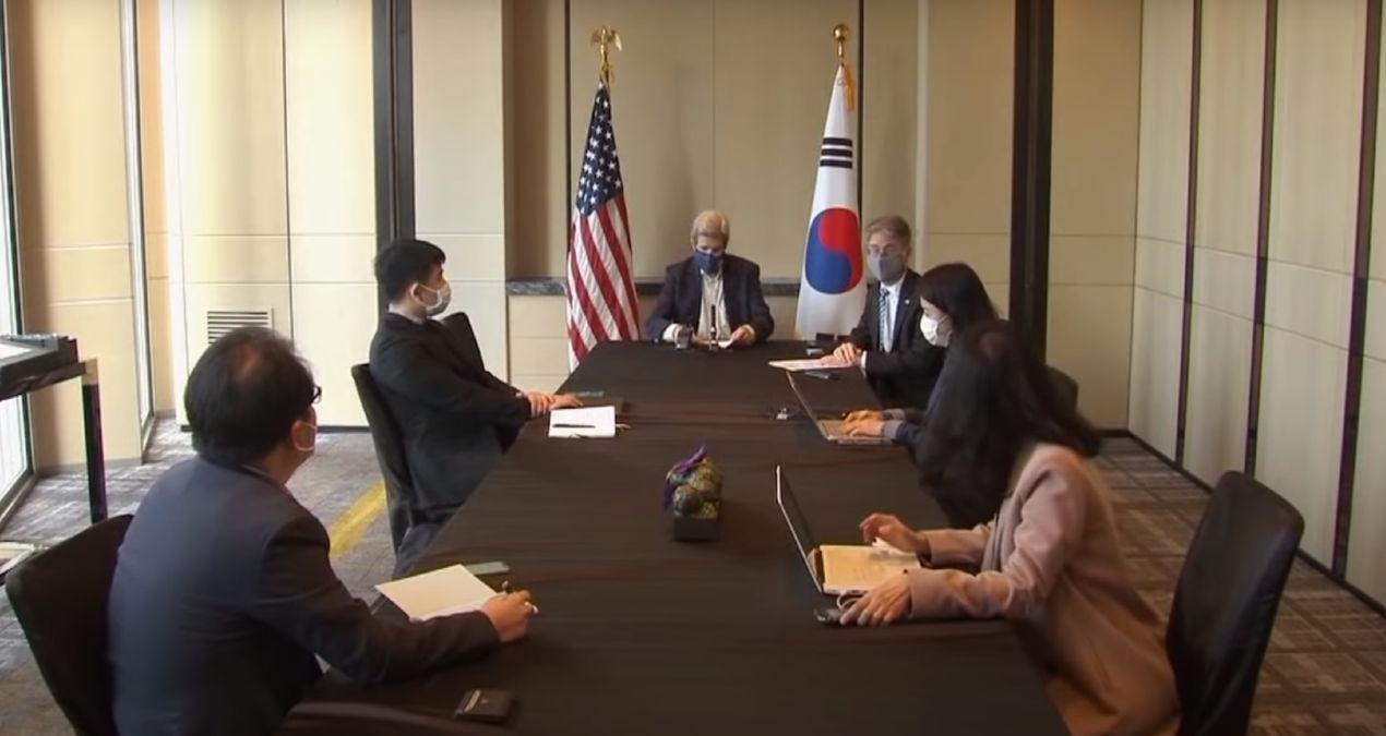 Enviado especial de Estados Unidos por el clima en una cumbre en Shangai para trata la crisis climática