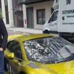 Magnate muere al estrellarse en su Porsche tras conducir drogado