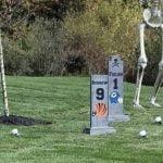 Halloween: Un jugador de la NFL decora su jardín con lápidas de quarterbacks rivales