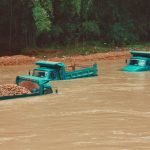 Al menos 128 víctimas de las inundaciones en India y Nepal